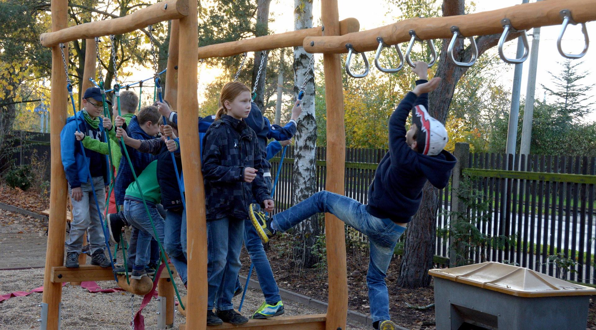 Klettergerüst Du Hast : Das neue klettergerüst grundschule gundorf